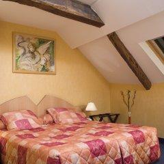 Grand Hotel du Calvados сейф в номере