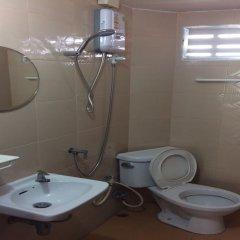 Апартаменты Baan Khun Mae Apartment ванная
