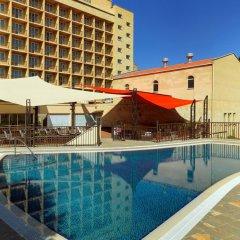 Отель Marriott Armenia Hotel Yerevan Армения, Ереван - 12 отзывов об отеле, цены и фото номеров - забронировать отель Marriott Armenia Hotel Yerevan онлайн бассейн фото 3