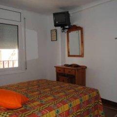 Отель Hostal Colonia B&B Испания, Курорт Росес - отзывы, цены и фото номеров - забронировать отель Hostal Colonia B&B онлайн комната для гостей
