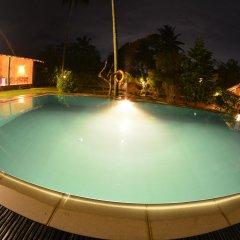 Отель Ocean Ripples Resort бассейн