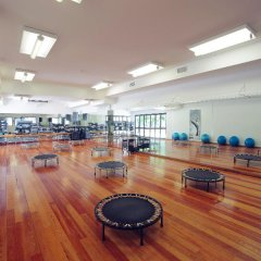 Отель Browns Sports & Leisure Club фитнесс-зал фото 4