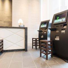 Отель Tokyu Stay Tsukiji гостиничный бар