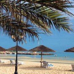 Отель Holiday Inn Abu Dhabi Downtown пляж