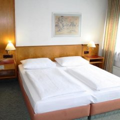 Hotel Ekazent Schönbrunn Вена комната для гостей фото 6