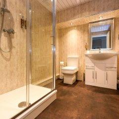 Lennox Lea Hotel, Studios & Apartments ванная