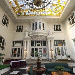 Отель Grand Hotel Aranybika Венгрия, Дебрецен - 8 отзывов об отеле, цены и фото номеров - забронировать отель Grand Hotel Aranybika онлайн интерьер отеля фото 3