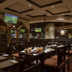 Отель Towers Rotana - Dubai гостиничный бар