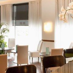 Отель Campanile Barcelona Sud - Cornella Испания, Корнелья-де-Льобрегат - 4 отзыва об отеле, цены и фото номеров - забронировать отель Campanile Barcelona Sud - Cornella онлайн гостиничный бар