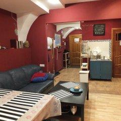 Гостиница Breaking Bed комната для гостей фото 2
