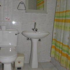 Отель DebbieXenia Hotel Apartments Кипр, Протарас - 5 отзывов об отеле, цены и фото номеров - забронировать отель DebbieXenia Hotel Apartments онлайн ванная