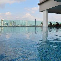 Отель Wooden Suites (the Rich @sathorn-taksin) Бангкок бассейн