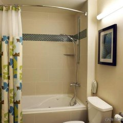 DoubleTree by Hilton Hotel Alana - Waikiki Beach ванная фото 2