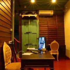 Отель La Moon Hostel Таиланд, Бангкок - отзывы, цены и фото номеров - забронировать отель La Moon Hostel онлайн питание фото 3