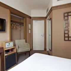 Отель Best Western Hôtel Mercedes Arc de Triomphe удобства в номере фото 2
