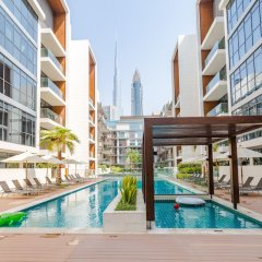 Отель FAM Living - City Walk Dubai бассейн