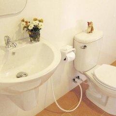 Отель Krabi Cinta House Таиланд, Краби - отзывы, цены и фото номеров - забронировать отель Krabi Cinta House онлайн ванная
