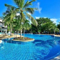 Отель First Bungalow Beach Resort бассейн фото 3