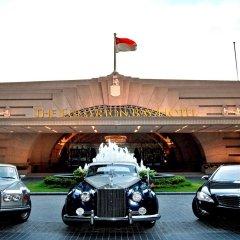 The Fullerton Bay Hotel Singapore городской автобус