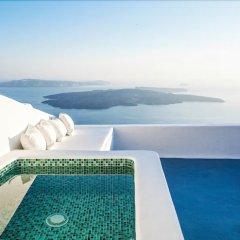 Отель Aliko Luxury Suites Греция, Остров Санторини - отзывы, цены и фото номеров - забронировать отель Aliko Luxury Suites онлайн бассейн фото 2