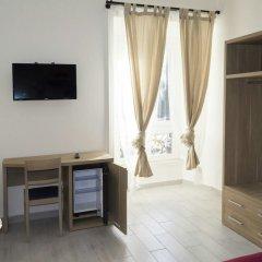 Отель New Moon Guesthouse Италия, Рим - отзывы, цены и фото номеров - забронировать отель New Moon Guesthouse онлайн сейф в номере