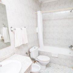 Отель Amic Miraflores Испания, Кан Пастилья - 3 отзыва об отеле, цены и фото номеров - забронировать отель Amic Miraflores онлайн ванная фото 3