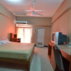 Dee Ma Hotel комната для гостей