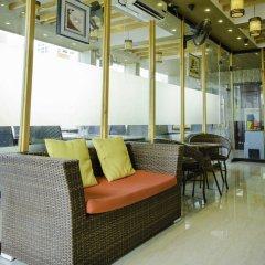 Отель Clear Sky Inn By Wonderland Maldives Мале бассейн
