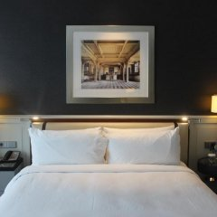Hilton Istanbul Bomonti Hotel & Conference Center сейф в номере