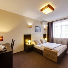 Гостиница Мартон Стачки комната для гостей фото 10