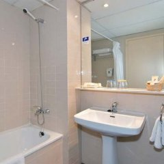 Отель Medplaya Hotel Calypso Испания, Салоу - отзывы, цены и фото номеров - забронировать отель Medplaya Hotel Calypso онлайн ванная