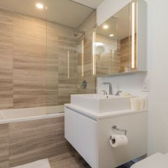 Отель Best Location Yaletown Luxury Suites Канада, Ванкувер - отзывы, цены и фото номеров - забронировать отель Best Location Yaletown Luxury Suites онлайн ванная фото 2
