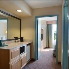 Отель Baymont Inn and Suites Fort Myers ванная