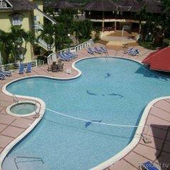 Отель Mystic Ridge Resort бассейн