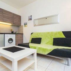 Отель The Sunny Patio 1-BR -Terrace Beach Франция, Ницца - отзывы, цены и фото номеров - забронировать отель The Sunny Patio 1-BR -Terrace Beach онлайн комната для гостей фото 3