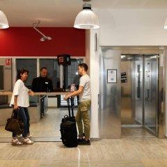 Отель Odalys City Paris Levallois Франция, Леваллуа-Перре - 2 отзыва об отеле, цены и фото номеров - забронировать отель Odalys City Paris Levallois онлайн интерьер отеля