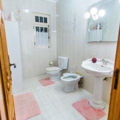 Отель Casa Barao das Laranjeiras Португалия, Понта-Делгада - отзывы, цены и фото номеров - забронировать отель Casa Barao das Laranjeiras онлайн ванная фото 2