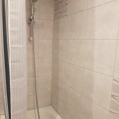 Отель Хостел Fox Center Rooms Польша, Варшава - 1 отзыв об отеле, цены и фото номеров - забронировать отель Хостел Fox Center Rooms онлайн ванная фото 2