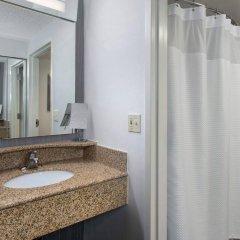 Отель Courtyard by Marriott Newark Elizabeth США, Элизабет - отзывы, цены и фото номеров - забронировать отель Courtyard by Marriott Newark Elizabeth онлайн ванная фото 2