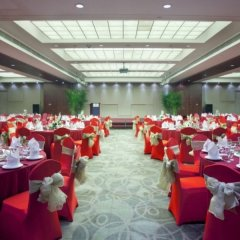 Отель Holiday Inn Suzhou Youlian