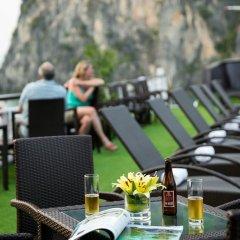 Отель Paloma Cruise гостиничный бар