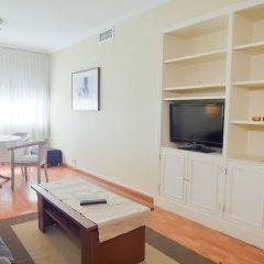 Отель DFlat Escultor Madrid 302 Apartments Испания, Мадрид - отзывы, цены и фото номеров - забронировать отель DFlat Escultor Madrid 302 Apartments онлайн комната для гостей