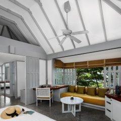 Отель The Surin Phuket комната для гостей
