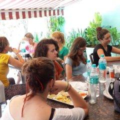 Отель Amax Inn Индия, Нью-Дели - отзывы, цены и фото номеров - забронировать отель Amax Inn онлайн питание фото 2