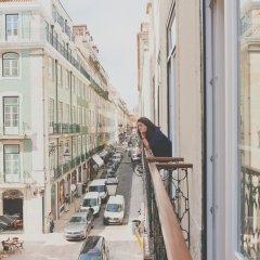 Отель Esqina Urban Lodge Португалия, Лиссабон - отзывы, цены и фото номеров - забронировать отель Esqina Urban Lodge онлайн балкон