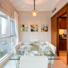 Отель Maison Privee - Burj Residence Дубай комната для гостей фото 3