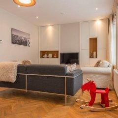 Апартаменты Nieuwmarkt Waag apartments комната для гостей фото 2