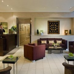 Отель Warwick Reine Astrid - Lyon Франция, Лион - 2 отзыва об отеле, цены и фото номеров - забронировать отель Warwick Reine Astrid - Lyon онлайн интерьер отеля фото 2