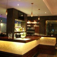 Отель Hôtel & Restaurant Farid гостиничный бар