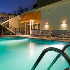 Отель Holiday Inn Abu Dhabi Downtown бассейн фото 2